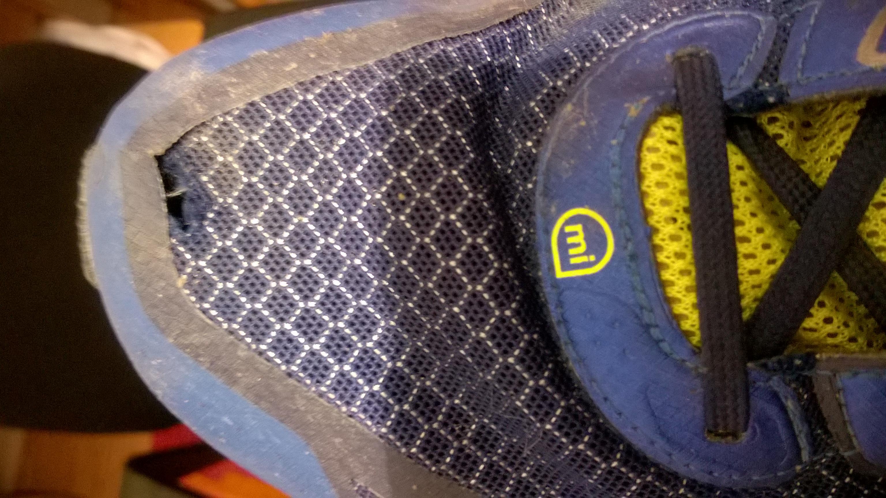 Loch im Schuh reparieren ? (Schuhe, adidas, Sportschuhe)